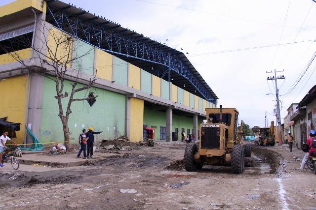 Obras en vías alrededor del mercado de Ciénaga