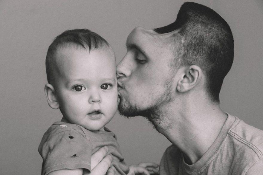 Austin y su hijo.