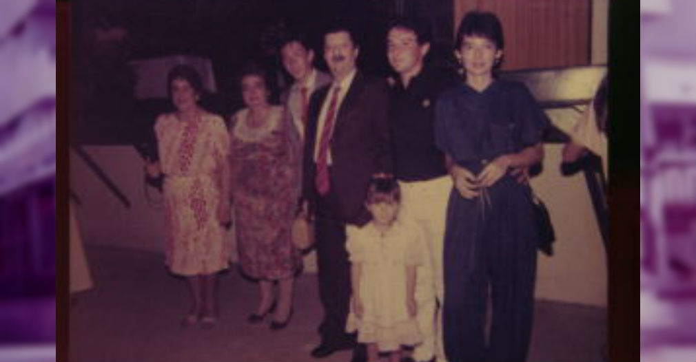 Clara, en primer plano, el día de mi grado en Santa Marta, con nuestra familia.