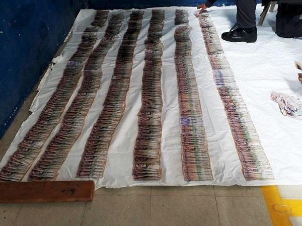 66 millones de pesos en efectivo