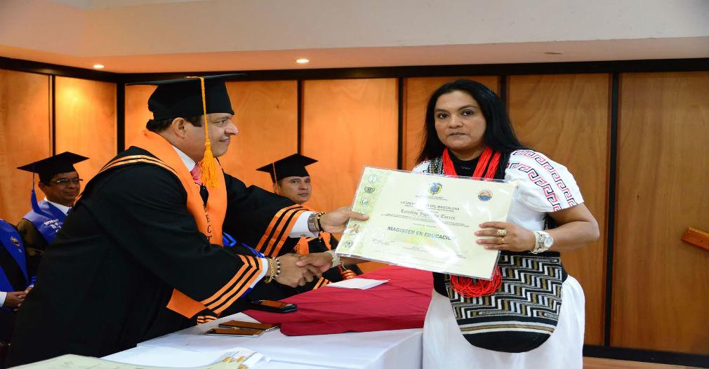 Unimagdalena hace historia al graduar a la primera mujer arhuaca como Magíster en Educación