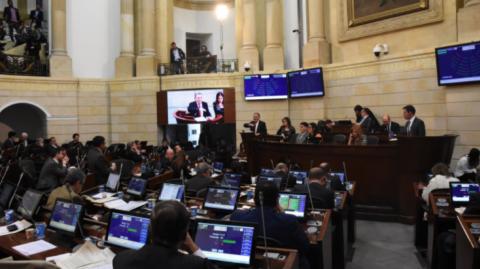 Por mayoría, Senado hundió la Reforma Política