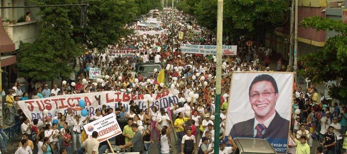 Marcha de apoyo a Caicedo en su época de rector de Unimagdalena.