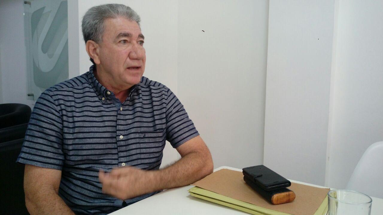 Concejal Néstor Muñoz, quien lidera la iniciativa para anular el impuesto.