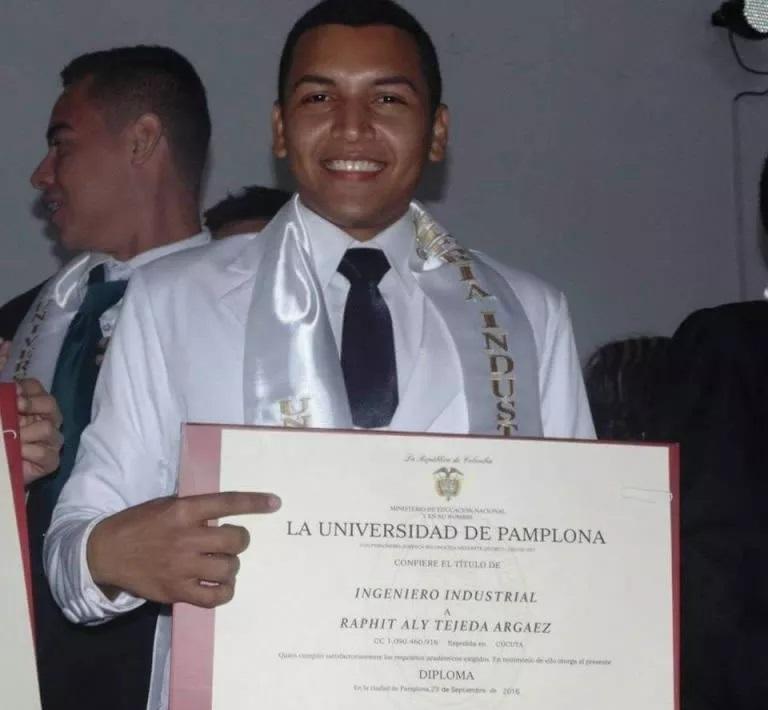 Se graduó de Ingeniería Industrial en la Universidad Pamplona.