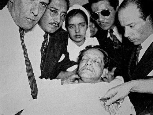 Histórica foto que evidenció que Jorge Eliécer Gaitán había muerto.