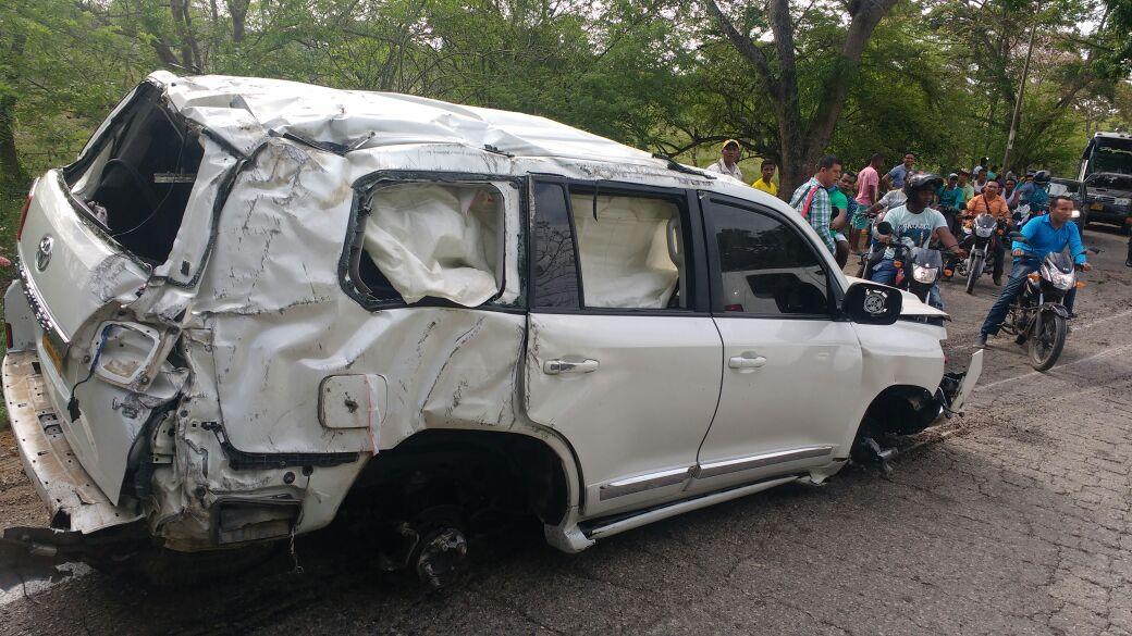 Así quedó la camioneta Toyota en la que se transportaba Martín Elías.