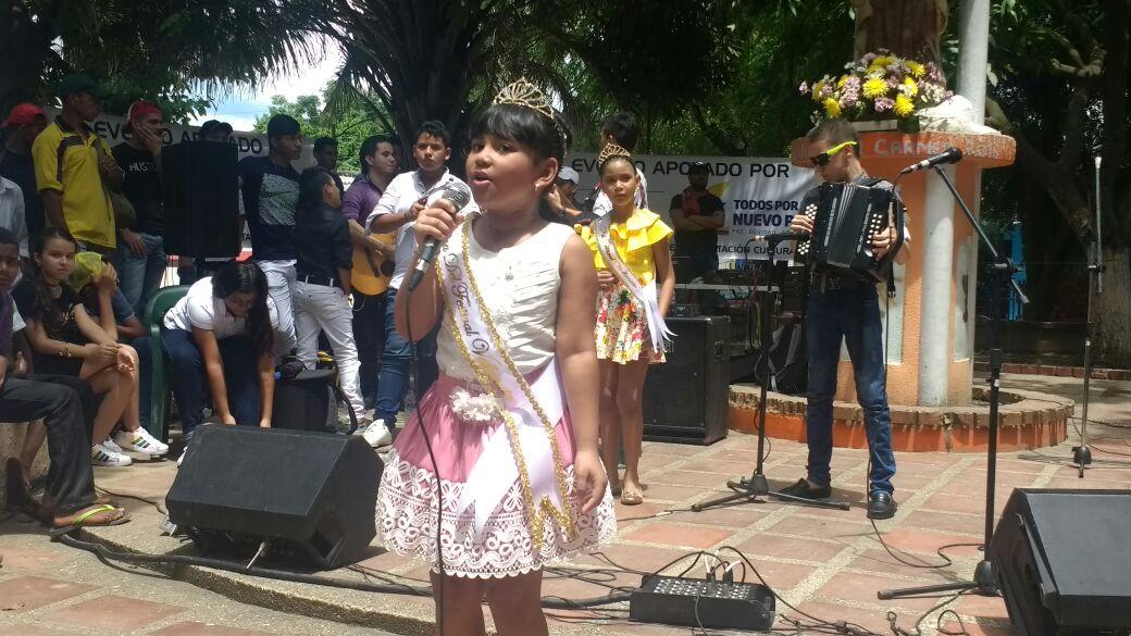 Las reinas del Festival Vallenato Indio Tayrona se presentaron ante la comunidad de Zona Bananera.