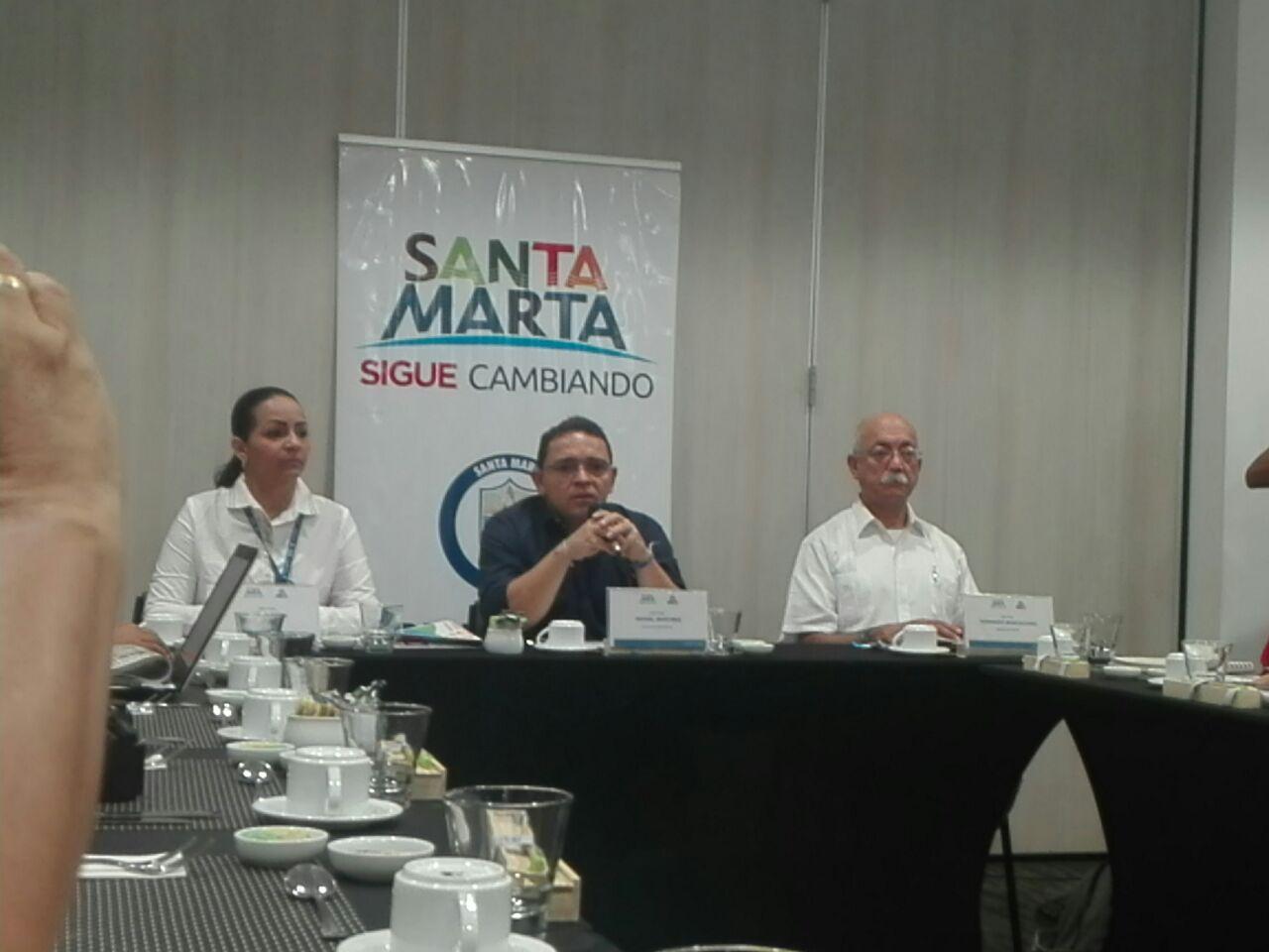 Rueda de prensa del primer mes de operación del acueducto en Santa Marta.