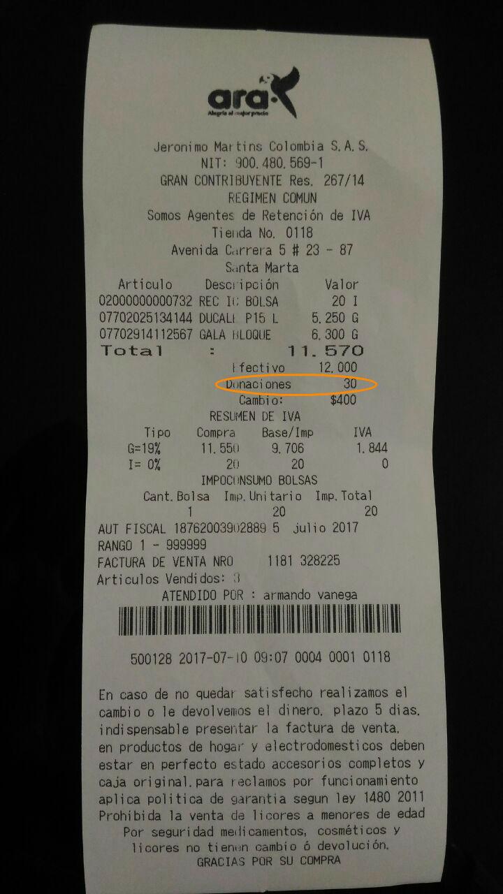 En la factura se evidencia la donación cobrada por la tienda sin previa aprobación del cliente.