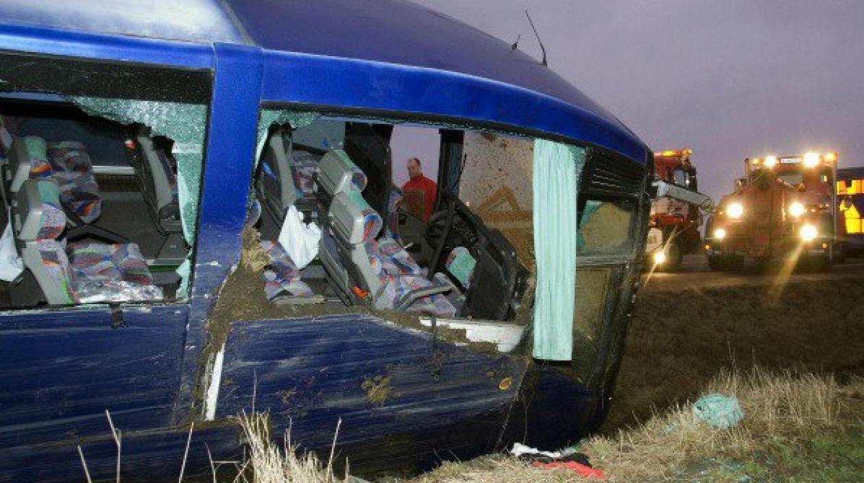 Al menos 14 fallecidos y 26 heridos en accidente de bus en Ecuador
