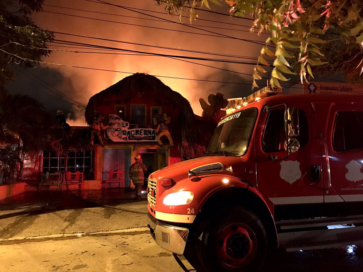 Incendio consumió gran parte de La Guacherna Restaurante Show en Barranquilla