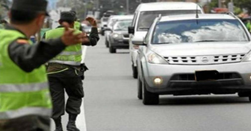 Venezolana acusa a dos policías de violarla en un retén en el Atlántico