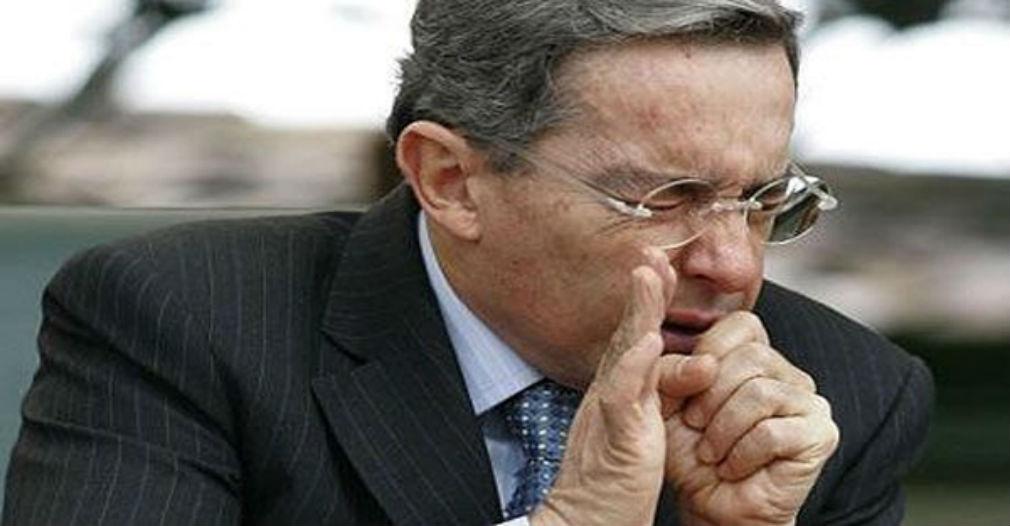 Uribe tiene dos días para borrar de Twitter señalamientos contra Daniel Samper