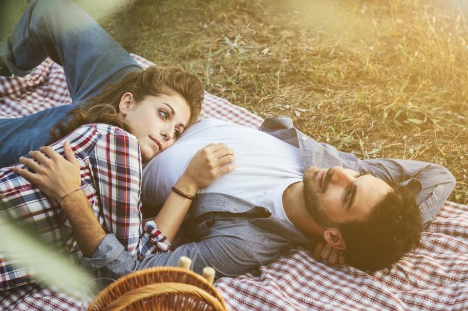 Estudio revela que el 43 % de los costeños consigue pareja en internet