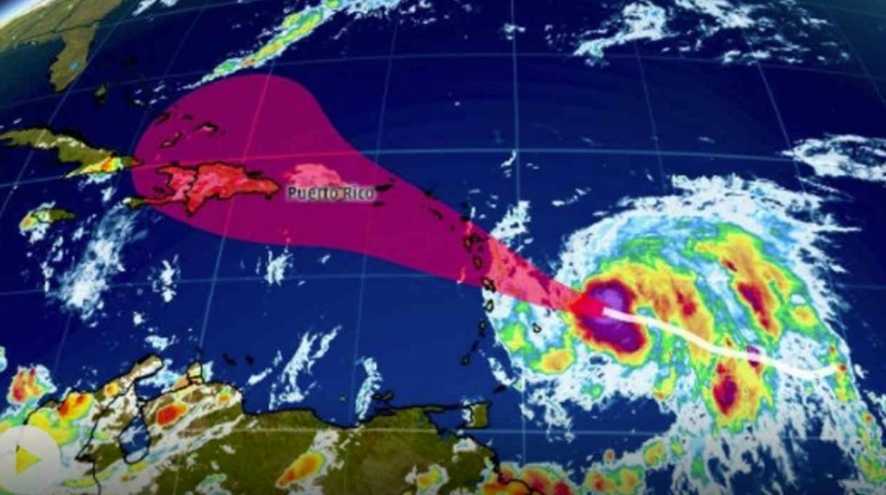 Sigue la alerta en el Caribe por el paso del huracán 'María' que subió a categoría 3