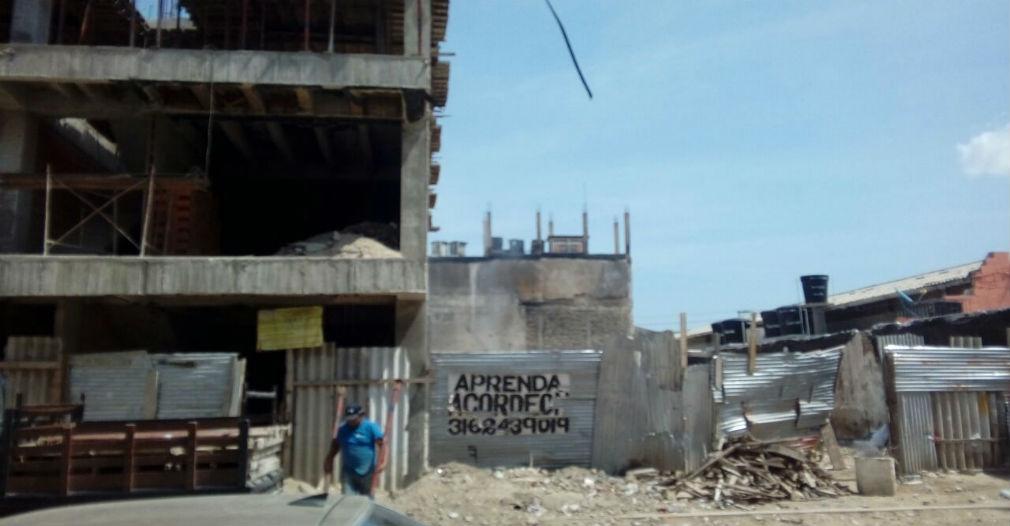Reconstrucción de los locales incendiados