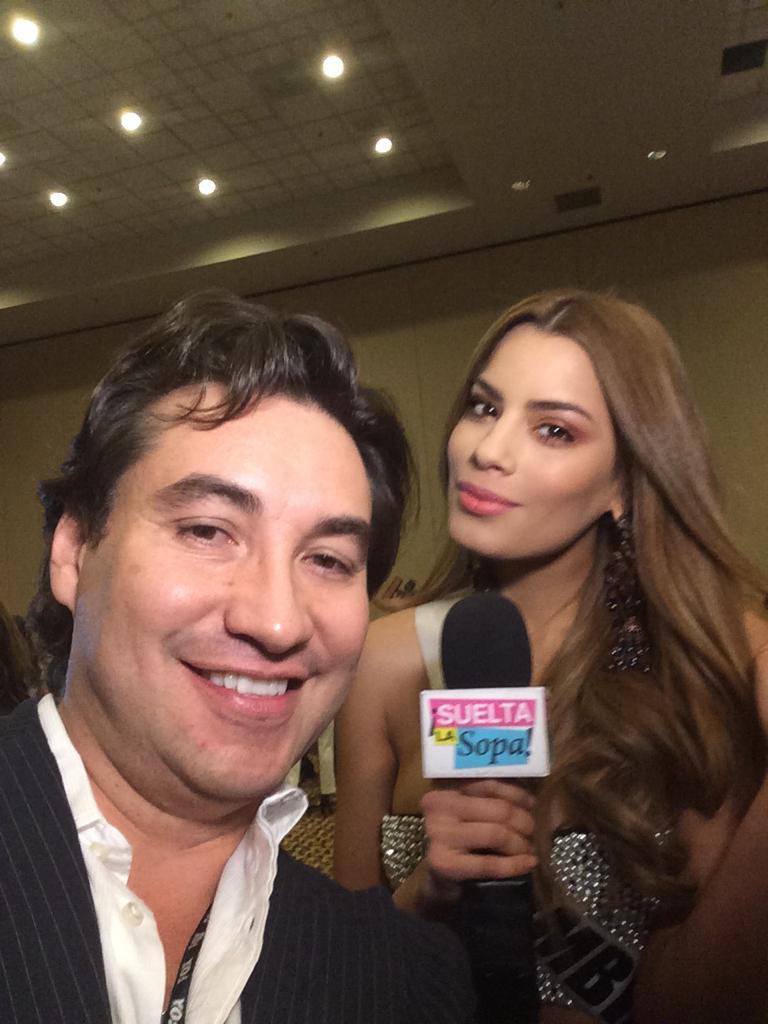 Cubriendo Miss Universo.En la fotografía al lado de Ariadna Gutiérrez.