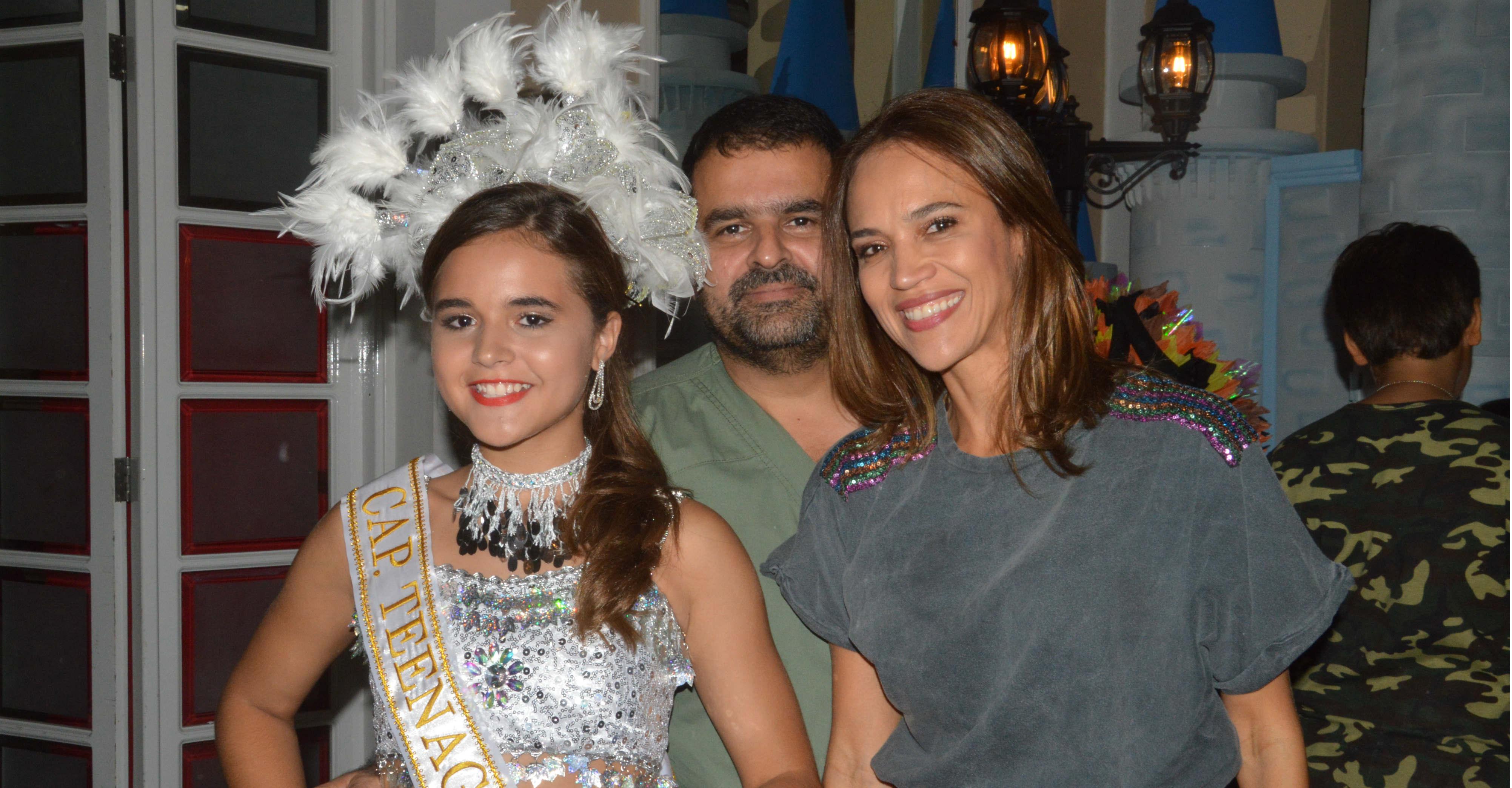 Manuela Pérez y sus padres Jorge Pérez Katime y Marina María López