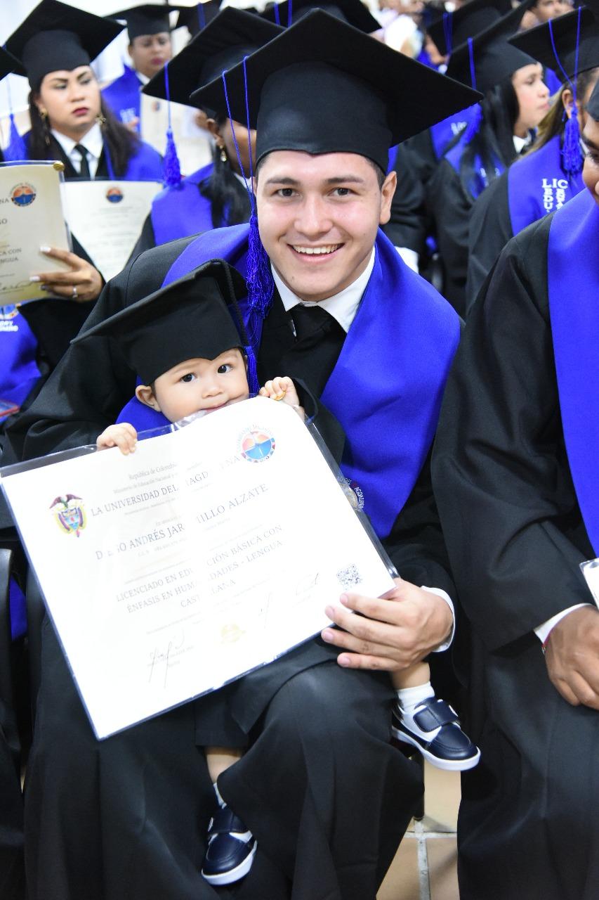 El pequeño Andy en compañía de su padre Diego Jaramillo.