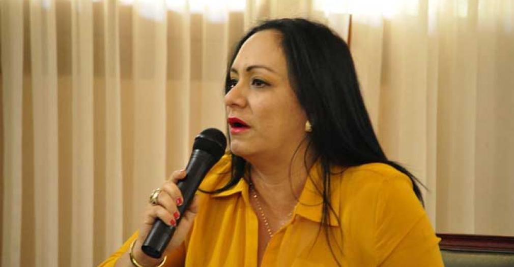 Claudia Patricia Aáron