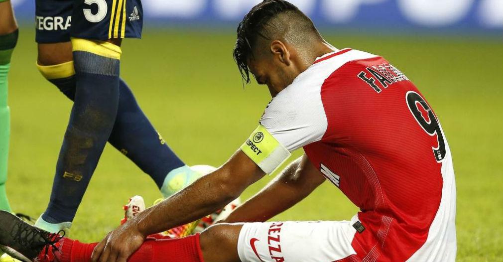 Falcao García sufrió una preocupante lesión este domingo en el partido entre el Mónaco y el Olympique de Lyon.