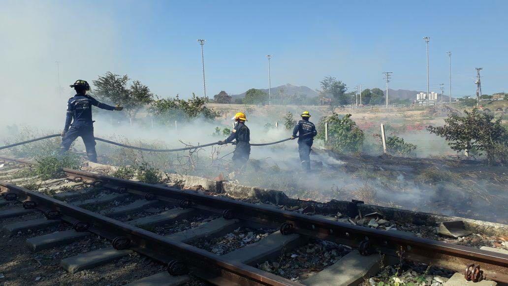 Incendio controlado rápidamente por el cuerpo de bomberos.