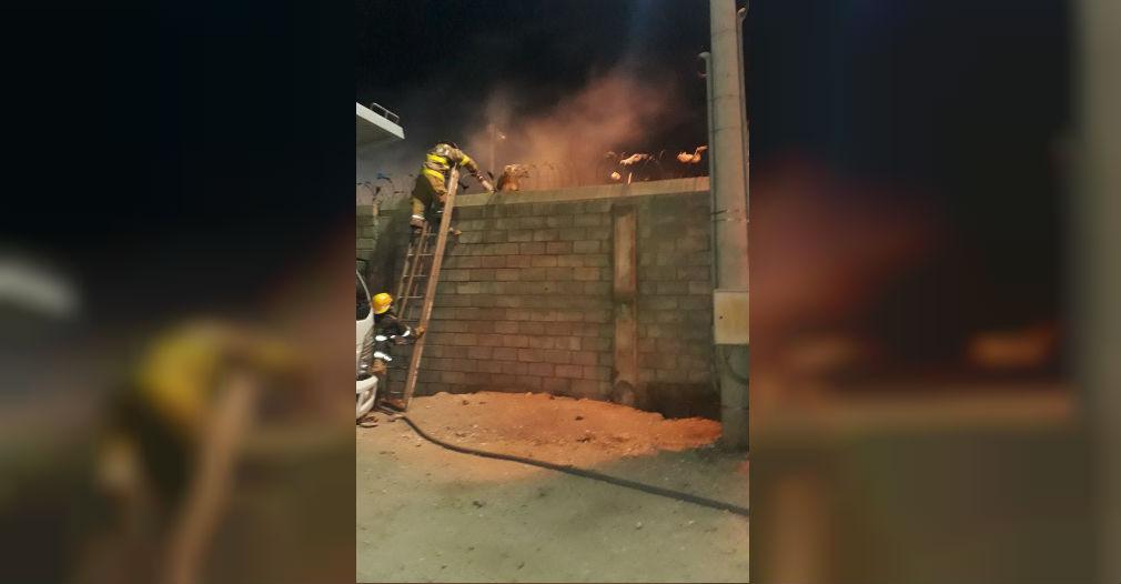 Incendio en el barrio Los Almendros.
