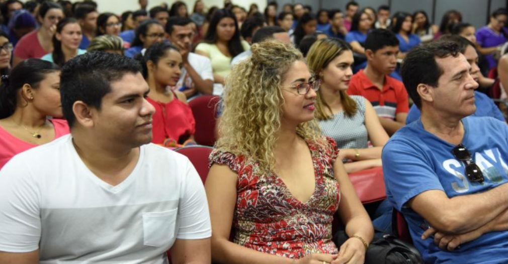 Estudiantes y docentes fueron partícipes de la socialización del proyecto.