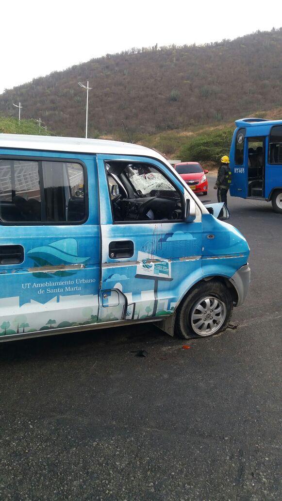 La camioneta vans involucrada en el accidente pertenece a la empresa Amoblamiento.