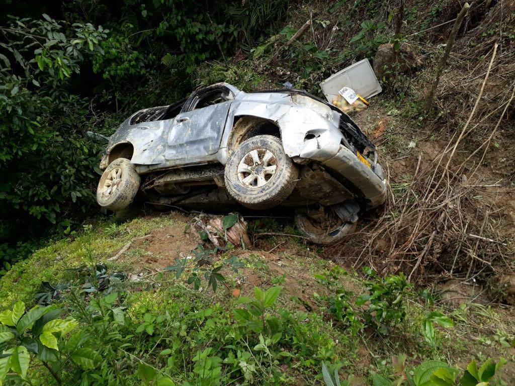 Así quedó la camioneta del terrateniente Carlos Lacouture, fallecido el domingo primero de abril.