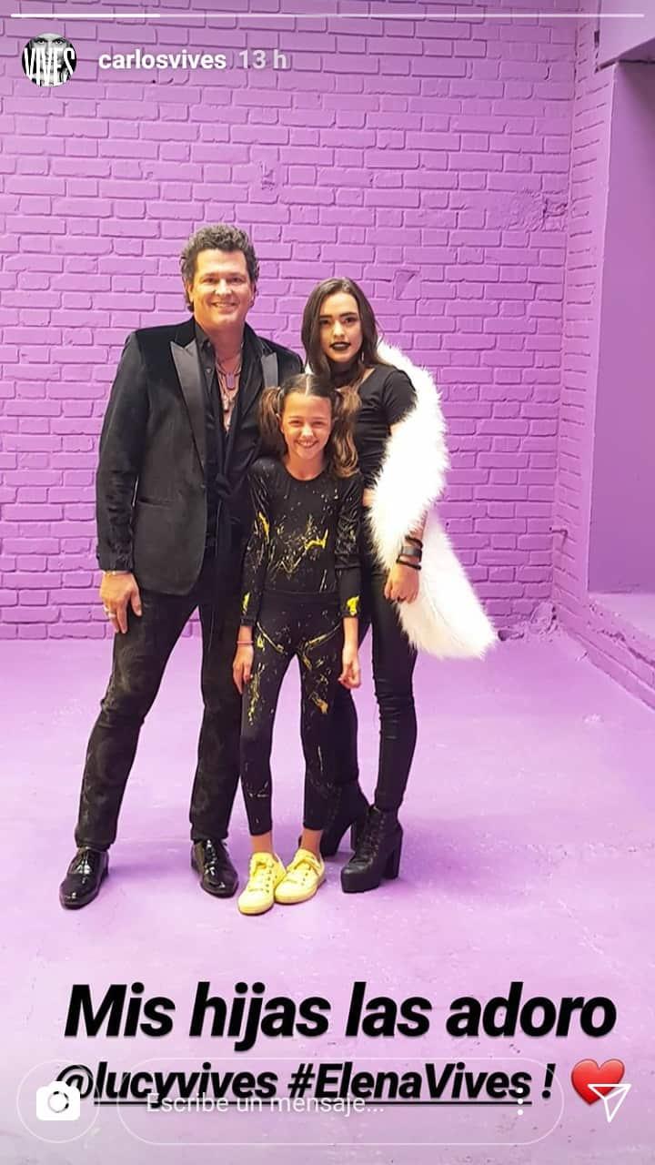 Carlos Vives, junto a sus hijas.