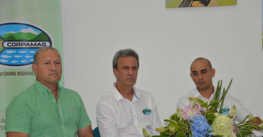 En la mesa principal estuvieron Felix Ospino Acevedo, presidente del consejo directivo de Corpamag, el director de la entidad, Carlos Díazgranados y Paul Laguna Panetta, secretario general.