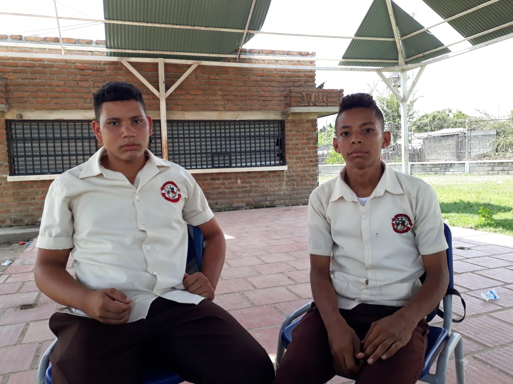 Ever Barragán (Izq.) y Josué de la Hoz (Der.), contralor estudiantil y representante de estudiantes ante el Consejo Directivo, respectivamente.