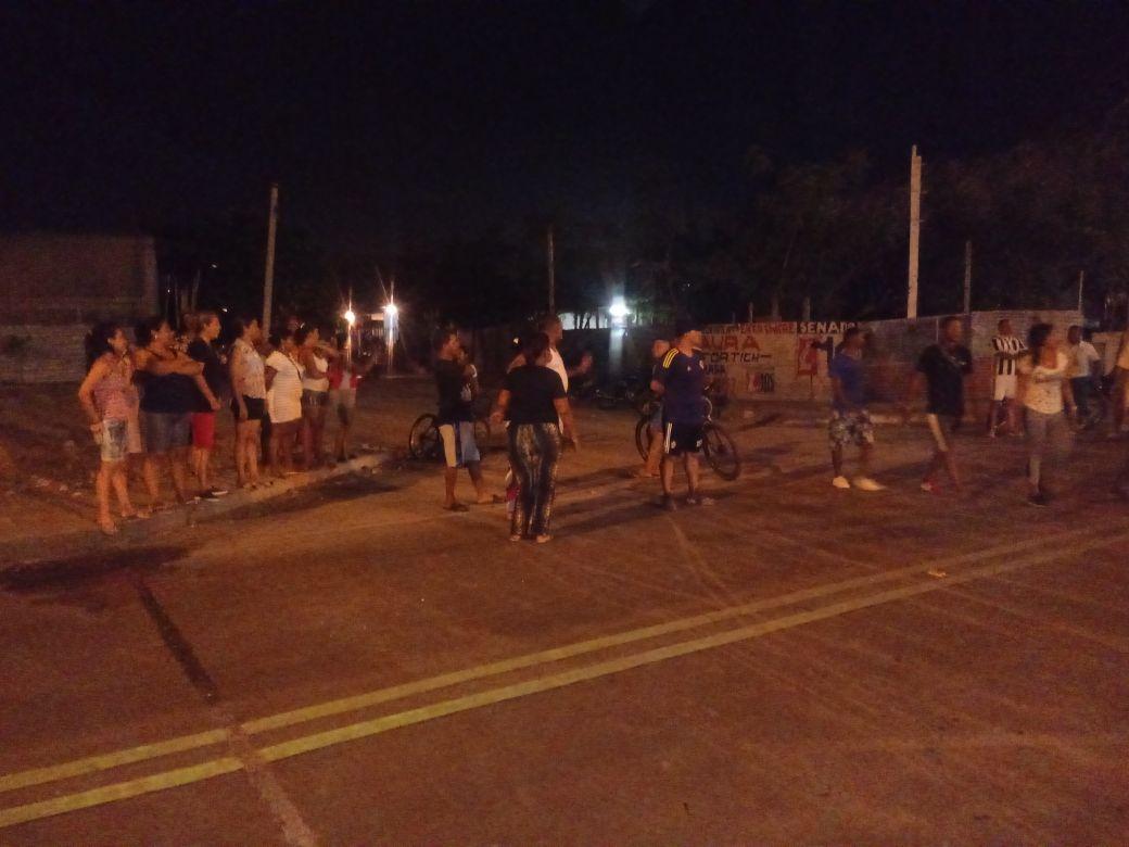 Protestas de habitantes de barrios aledaños a la Vía Alterna.