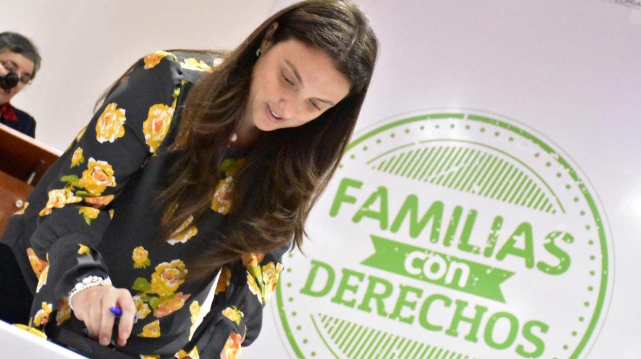 Directora General del Instituto Colombiano de Bienestar Familiar (ICBF), Karen Abudinen Abuchaibe.