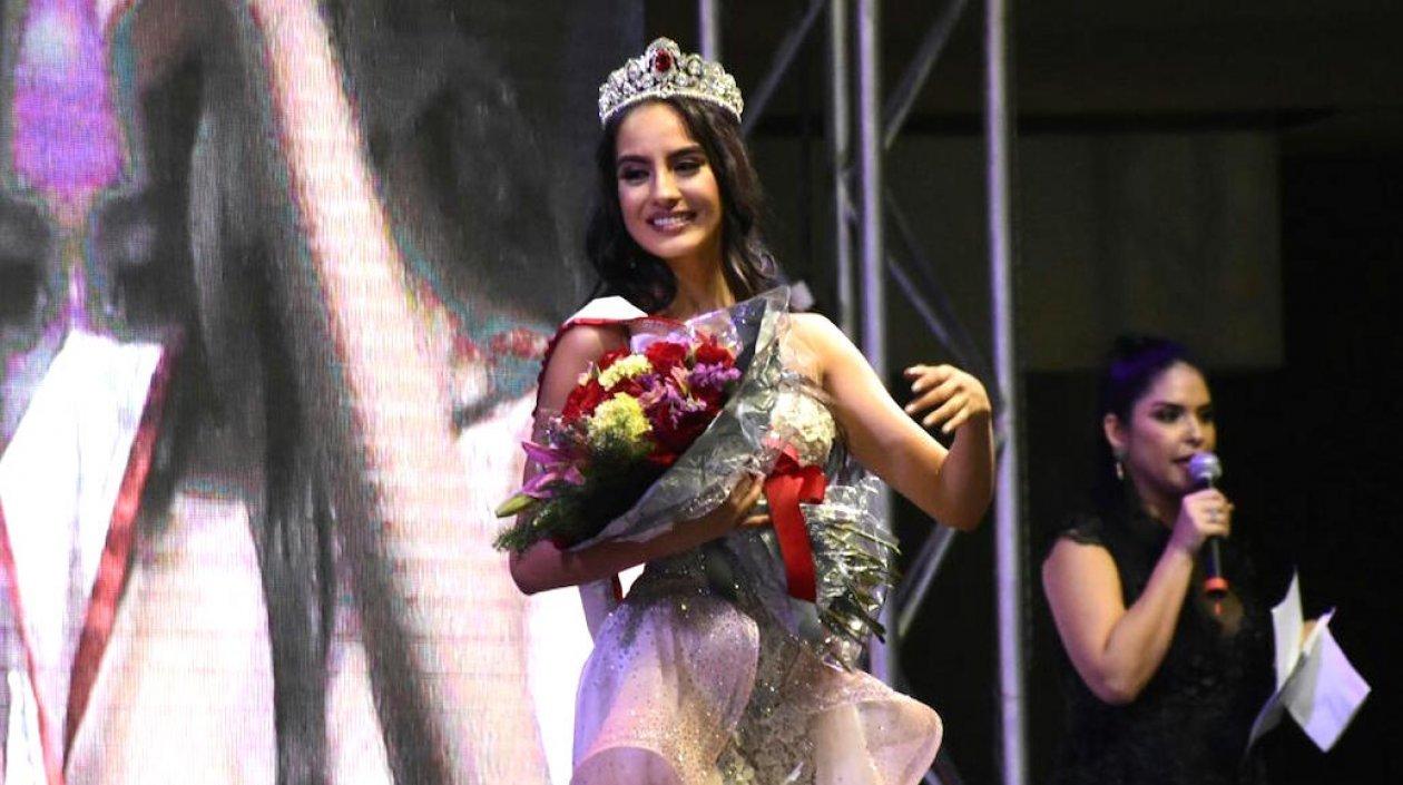 María Alejandra Vengoechea, tras la coronación.