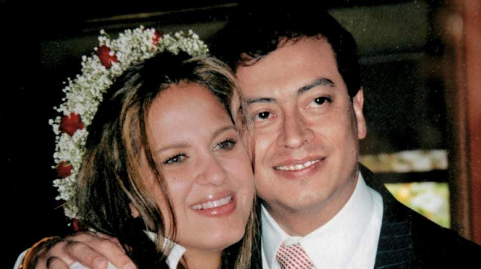 Verónica Alcocer y Gustavo Petro en su matrimonio.