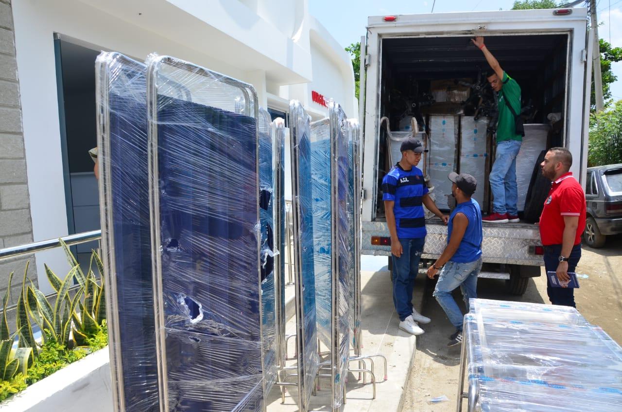 Llegado de equipamiento biomédico y mobiliario del centro de salud de La Paz.