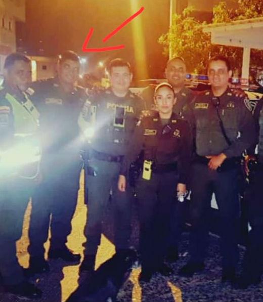 Uno de los policías señalados por el joven.