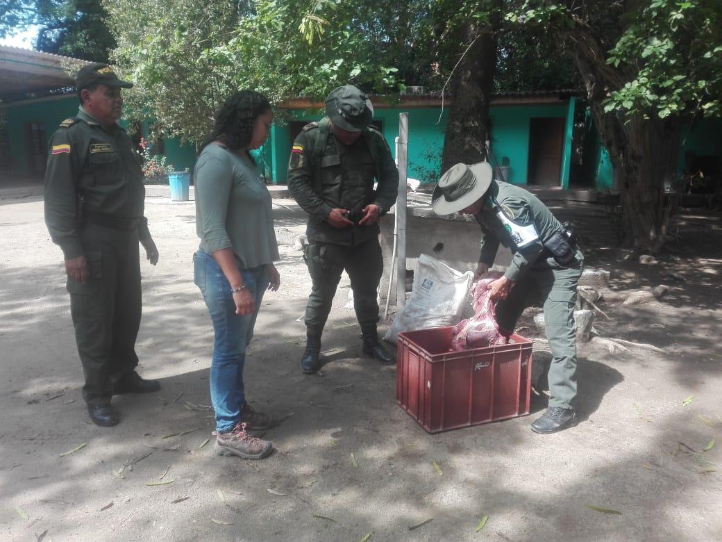 Policía e Invima realizaron el operativo.