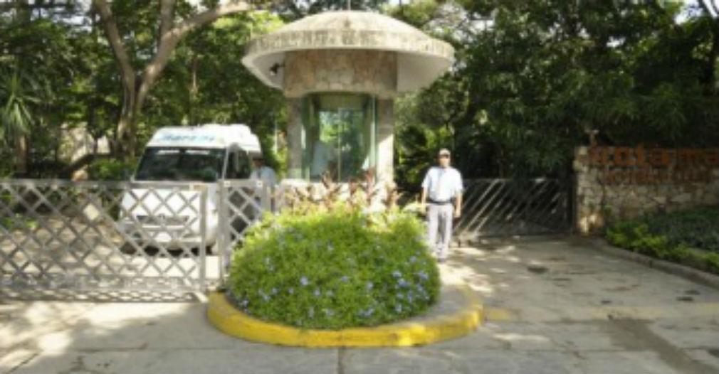 Esta caseta, propiedad del Irotama, impedía el acceso a la vía pública y a otros predios.