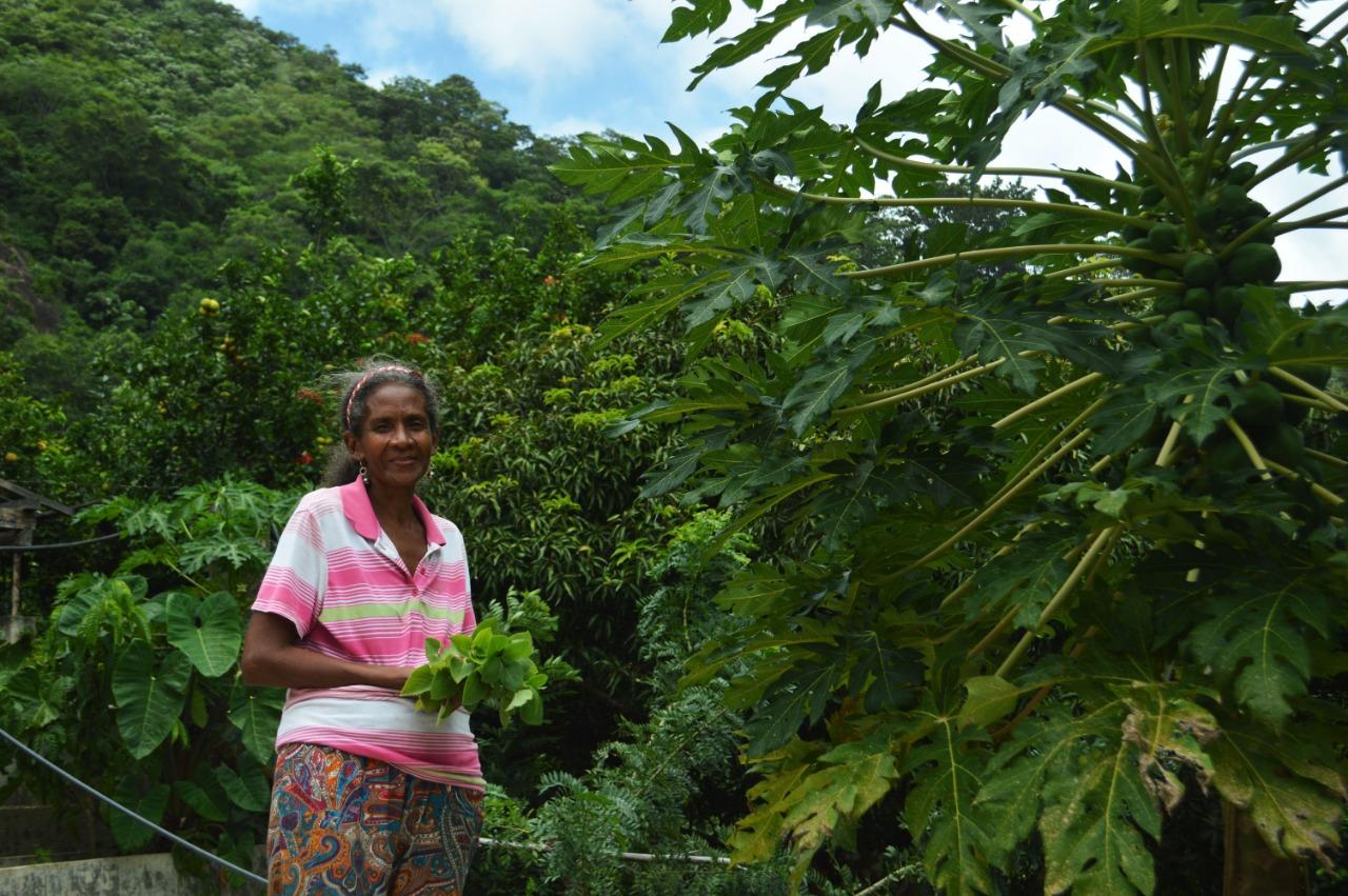 La lideresa Maritza Leiva, en su finca en zona rural de Santa Marta.