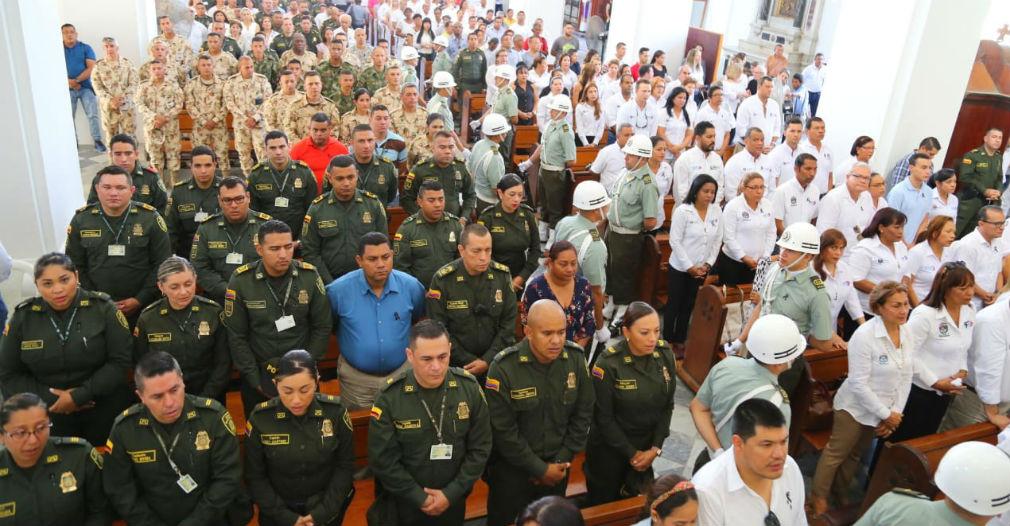 Miembros de la Policía asistieron al acto litúrgico.