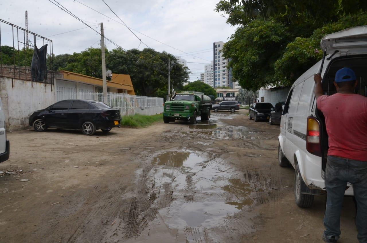 Calle 26 con carrera 14 barrio Los Alcázares