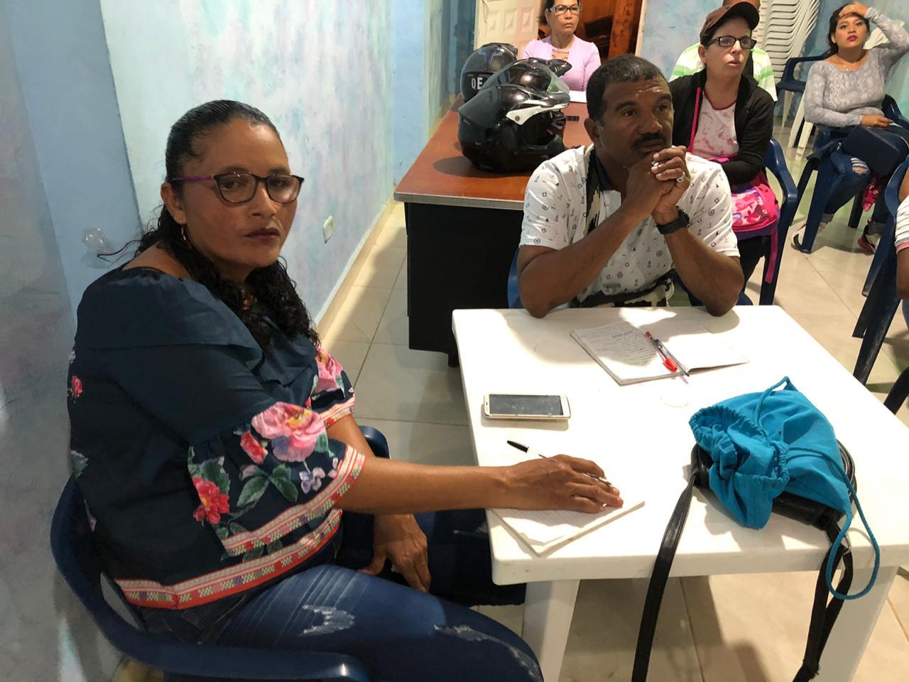 Trabajadores de Playa Cristal se capacitan en una segunda lengua