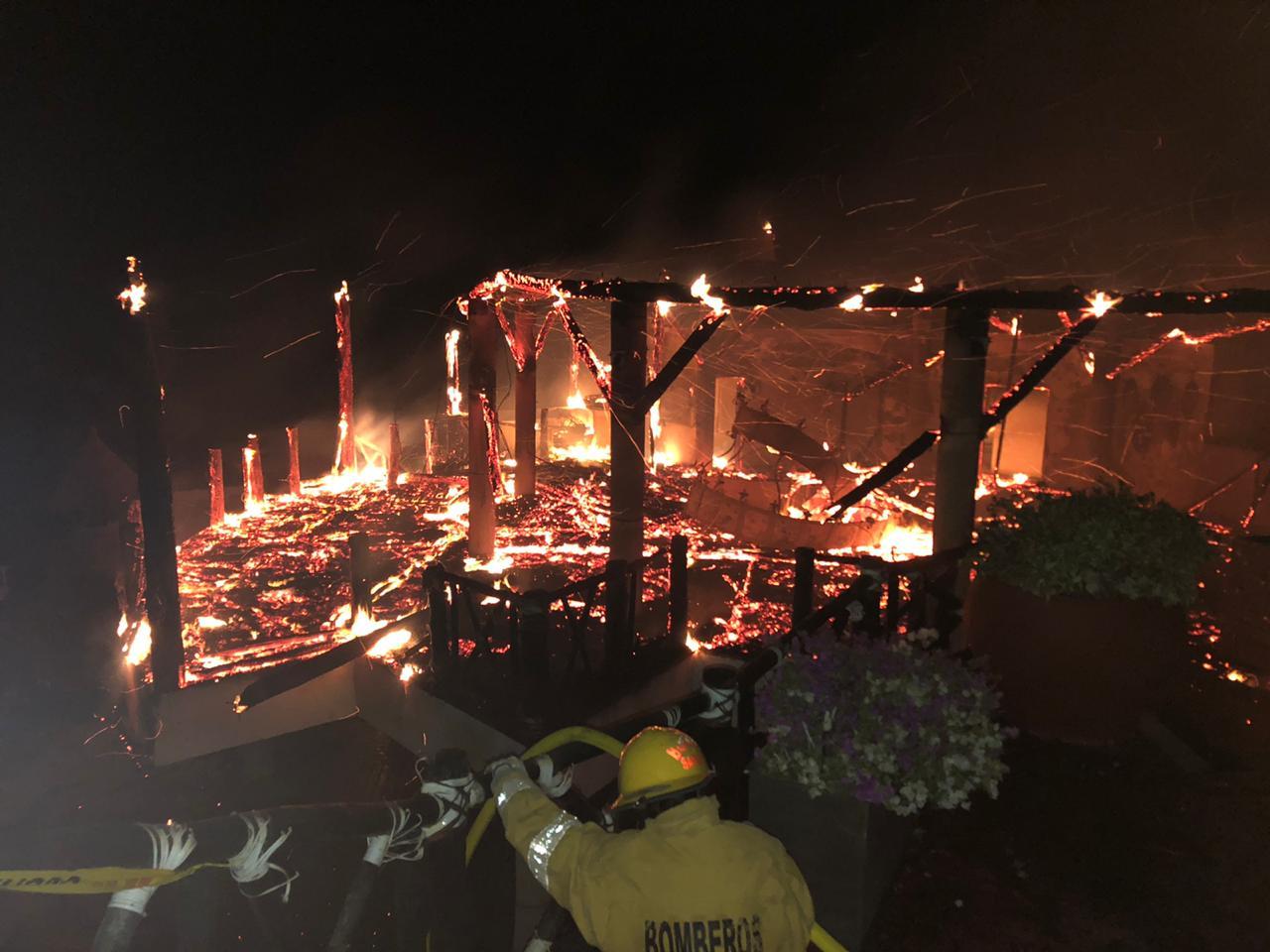 Incendio en el Jaba Nibue.