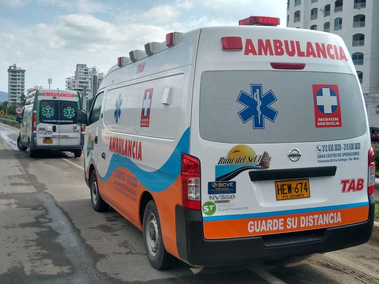 Ambulancias que llegaron a atender a los heridos.