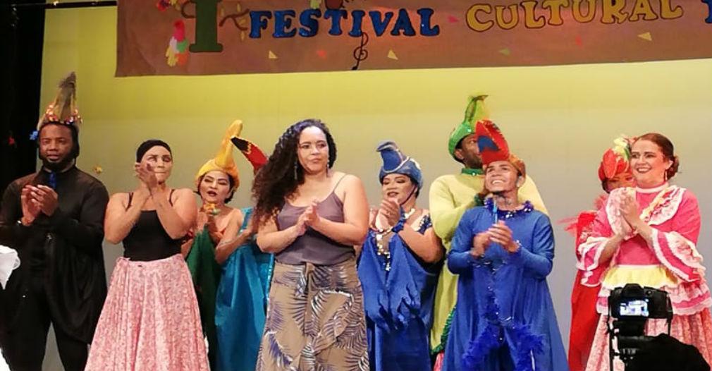 'Pájaros en la Canoa', la propuesta folclórica de la primera samaria en obtener título de profesional en danza - Seguimiento.co