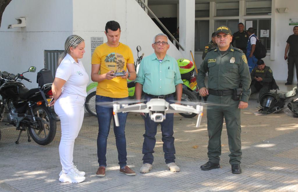Drone utilizado para vigilar la marcha.